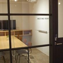 オフィス内、会議室スチール扉